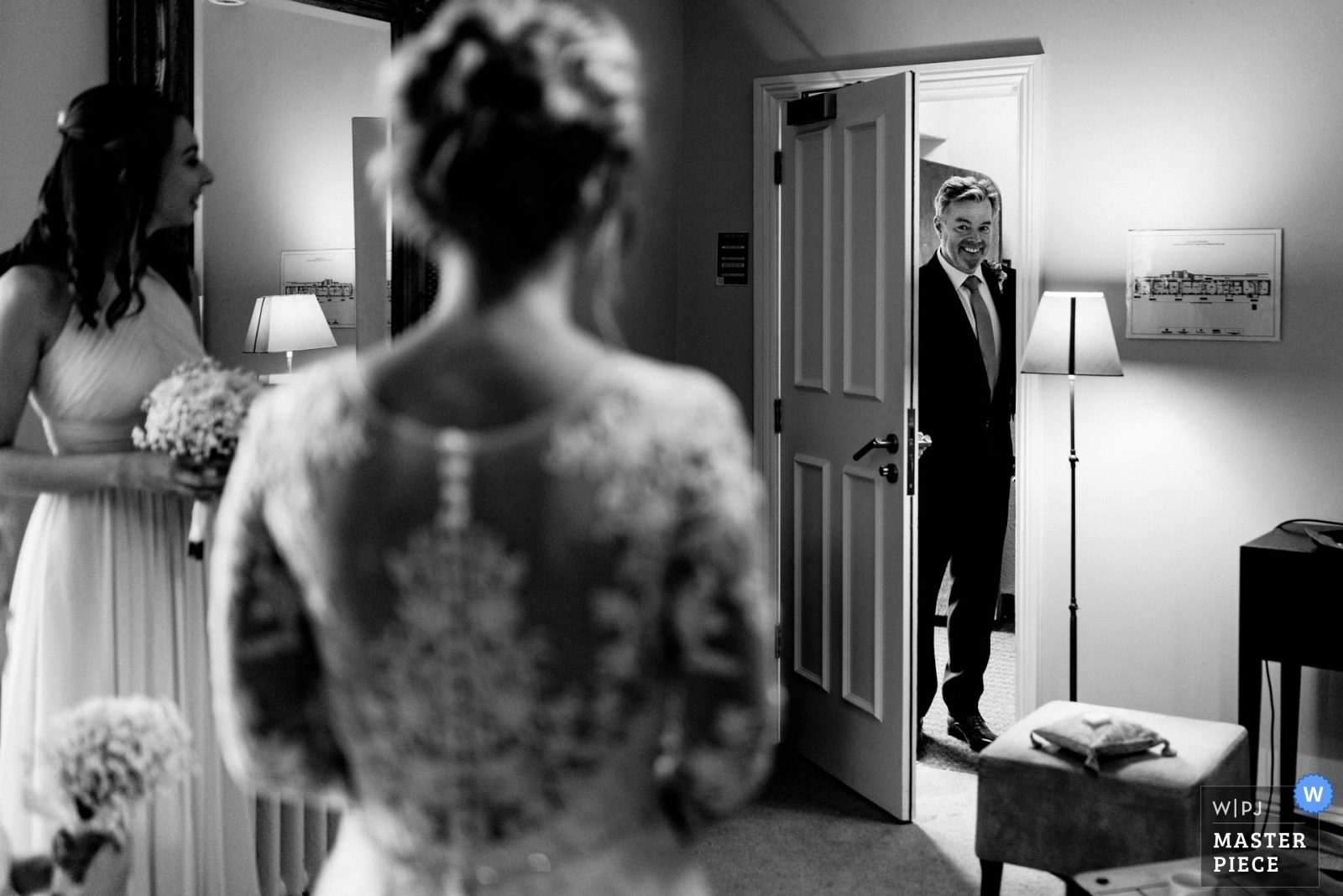 The Brides father sees his daughter for the first time on the morning of her wedding.